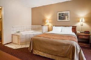 Hotel Quality Inn West