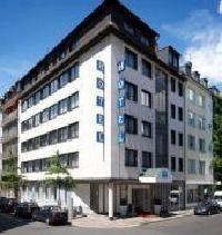 Hotel Tryp By Wyndham Dusseldorf City Centre
