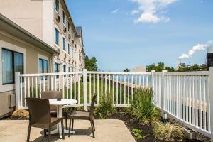 Hotel Comfort Inn River's Edge