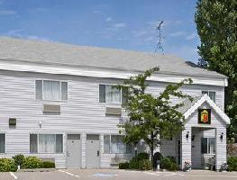 Hotel Super 8 Williamsburg/amana Colonies Area
