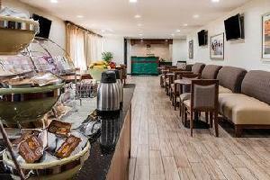 Hotel Quality Inn & Suites Warren