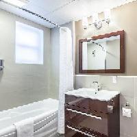 Le Grande Allee Hotel & Suites - Standard (1 Queen Bed)