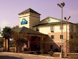 Hotel Days Inn & Suites San Antonio North/stone Oak