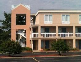Hotel Days Inn & Suites Warren