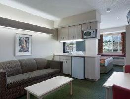 Hotel Microtel Inn And Suites East