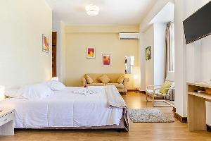 Hotel Sarrazola House
