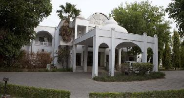Usha Bundela Hotel
