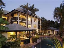 The Port Douglas Queenslander Hotel
