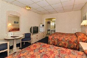 Hotel Canadas Best Value Inn And Suites Woodstock