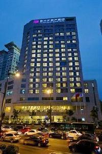 Hotel E M Grand