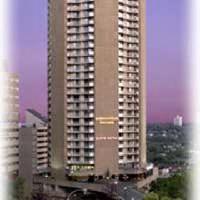 Hotel Edmonton House Suite