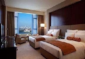 Hotel Renaissance Lakeview