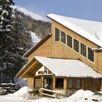 Hotel Wolfs Den Mountain Lodge