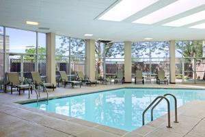 Hotel Embassy Suites St. Louis - Airport