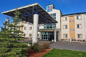 Hotel Motel 6 Red Deer