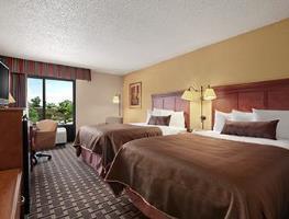 Hotel Baymont Inn & Suites - Lewisville