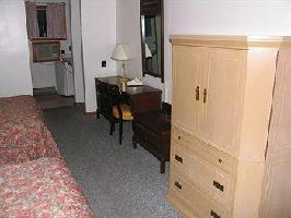Hotel Seven Oakes Motel