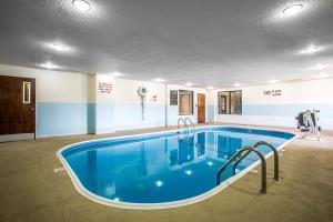 Hotel Comfort Suites Lansing