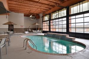 Hotel Lexington Inn Shalimar Plaza & Conference Center