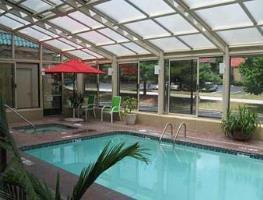 Hotel Baymont Inn And Suites Joplin