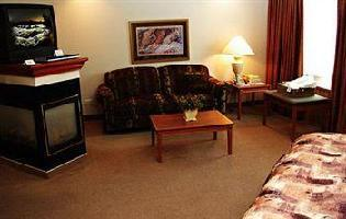 Hotel Royal Oak Inn And Suites