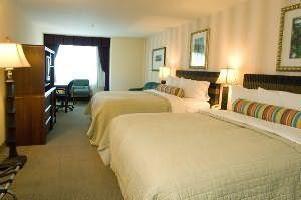 Hotel Phoenix Inn Suites Eugene