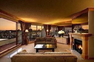 Victoria Regent Waterfront Hotel & Suites