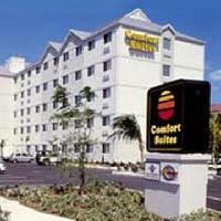 Hotel Comfort Suites Seven Mile Beach