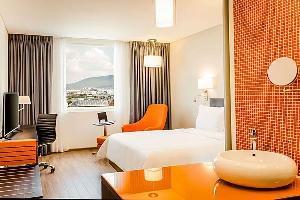 Hotel Fiesta Inn Aguascalientes Patio