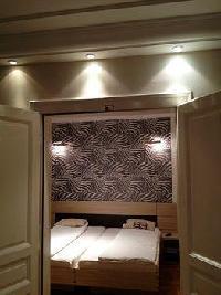 Hotel Rezime Inn