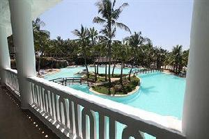 Hotel Emrald Flamingo Beach Resort & Spa