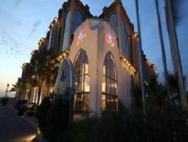 Hotel Madareem Crown