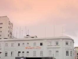 Hotel Sapphire Suites