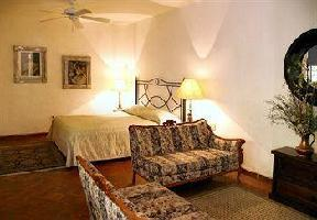 Hotel Trocadero Suites
