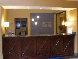 Holiday Inn Express Hotel & Suites Pleasan