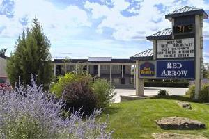 Hotel Red Arrow Inn & Suites