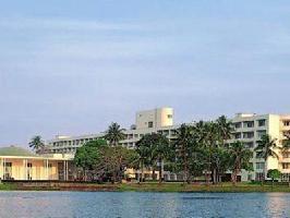 Hotel Inya Lake