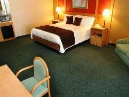 Hotel Inn By The Lake