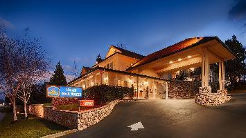 Hotel Best Western Cedar Inn & Suites