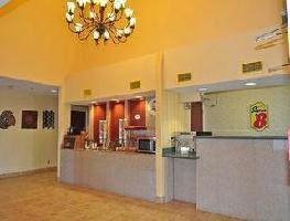 Hotel Super 8 Alexandria I-49
