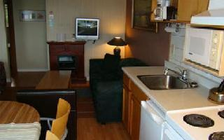 Hotel Schooner Motel - Kitchen Suite