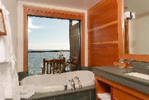 Hotel Wickaninnish Inn - 2nd Floor Deluxe Room