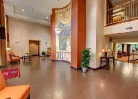 Hotel Comfort Suites Regency Park