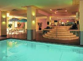 Coast Edmonton Plaza Hotel - Comfort