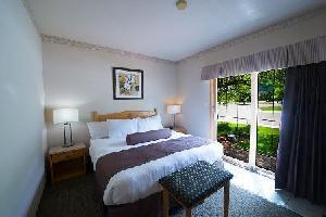 Hotel Waterton Glacier Suites - Deluxe Suite