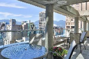 Delta Vancouver Suite Hotel - Signature Club