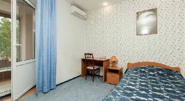 7 Kholmov Hotel