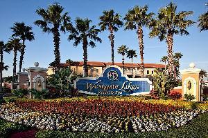 Hotel West Lakes Resort