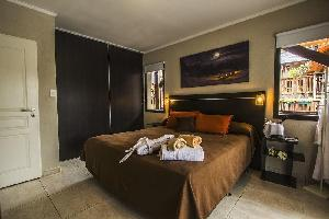 Blackstone Apart Boutique Hotel