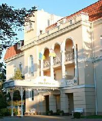 Palace Del Mar Hotel